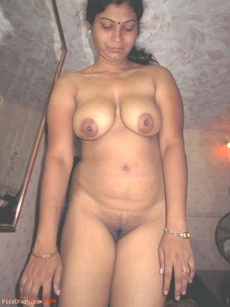 Pakistani Sindhi housewife full naked boobs