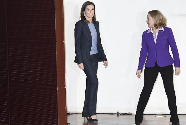 Queen Letizia wore Boss Hugo Boss Jamoli blazer and Temuna trousers