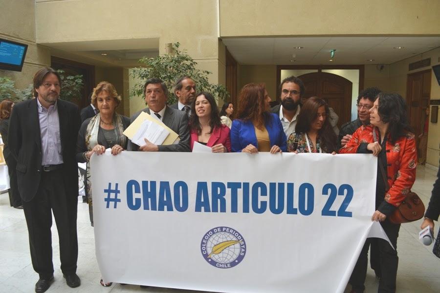 Colegio de Periodistas y diputados de diversas tendencias dicen #chaoarticulo22