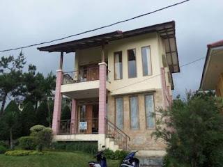 Blok J1 No 2A Villa 3 Kamar