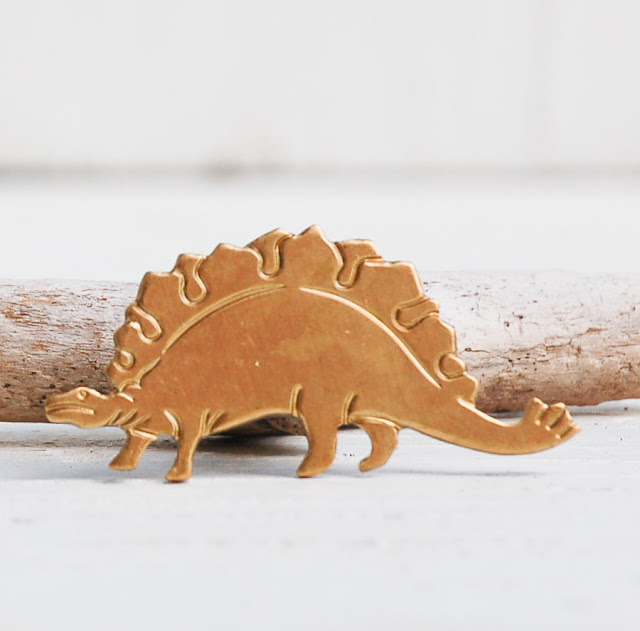 https://www.etsy.com/listing/202318596/dinosaur-tie-pin-stegosaurus-lapel-pin?ref=shop_home_active_9&ga_search_query=tie%2Bpin