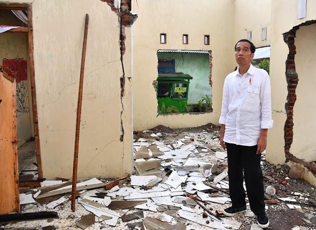 Jokowi Pastikan Dampak Gempa Banjarnegara Ditangani Serius