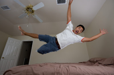 Hypnic jerk: feeling of falling in your sleep