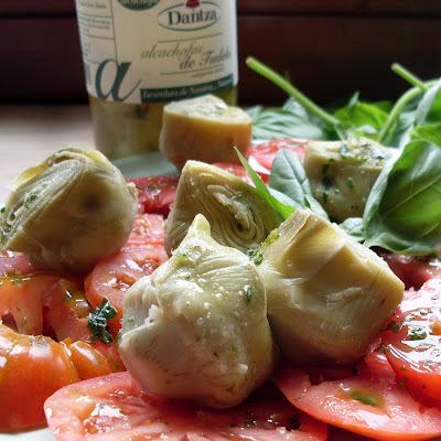 ensalada de alcachofas y tomates
