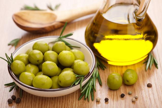 manfaat, khasiat, manfaat minyak zaitun, khasiat minyak zaitun, manfaat minyak zaitun mustika ratu, manfaat minyak zaitun untuk wajah, manfaat minyak zaitun untuk kulit, manfaat minyak zaitun untuk rambut