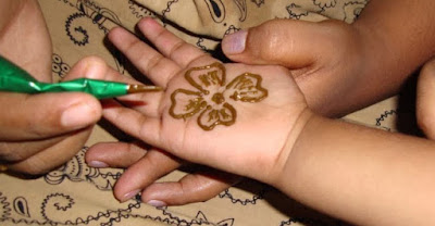 Easy And Best Mehndi Designs For Kids