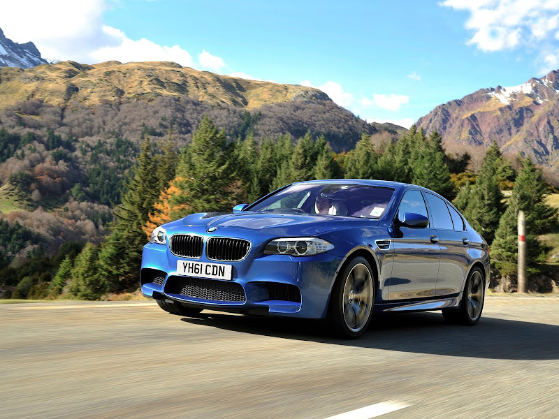 Mobil BMW Car pictures, insurance info, car accident lawyers title=