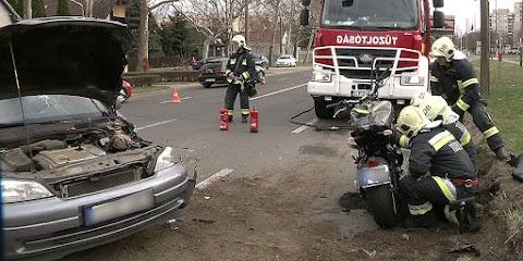 Motorossal ütközött egy autó Debrecenben