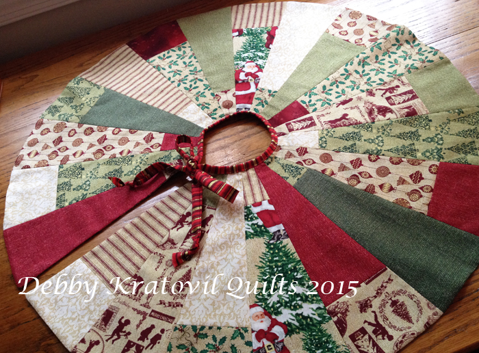 Holiday Tree Skirt 27 Diameter