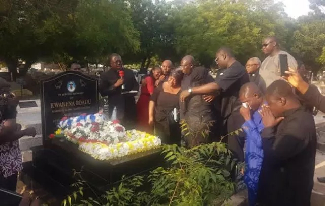 Bawumia Unveils Late Aide Kwabena Boadu's Tombstone