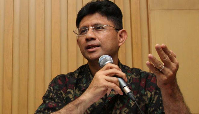 Wakil Ketua KPK: Ratna Sarumpaet Lo Tanggepin, Ngapain?