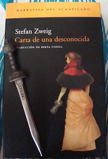 Portada del libro Carta a una desconocida, de Stefan Zweig