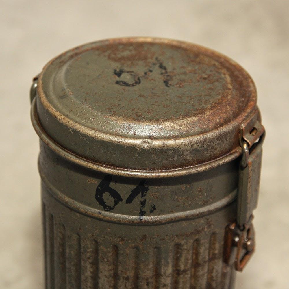 tubo porta maschera antigas tedesco restauro con acido ossalico