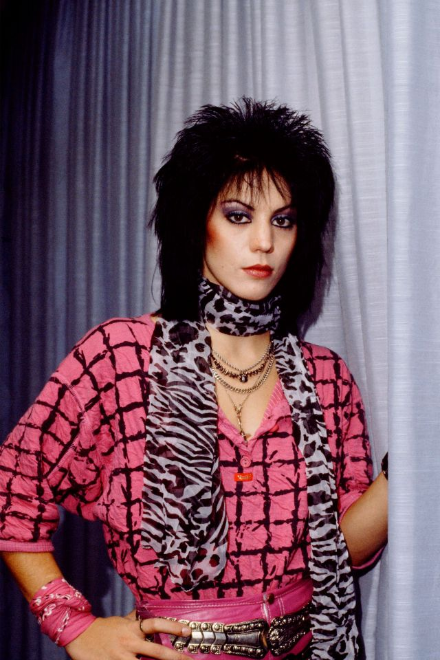 Joan Jett's Edgy Hairstyle: 30 Amazing Color Portrait
