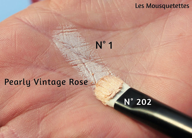 Cream Crush Eyeshadow n°1 Pearly vintage rose KIKO - Les Mousquetettes©