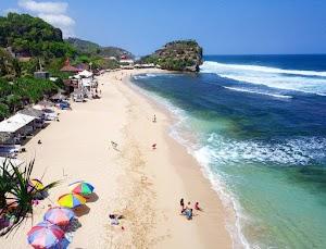 Pantai Parangtritis Bantul Yogyakarta, Pesona Pasir Lembut dan Angin Besar