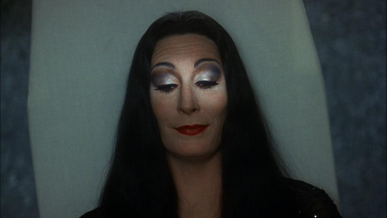 Movie and TV Screencaps: Addams Family Values (1993 ...