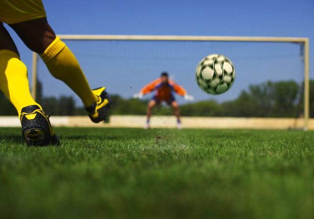 Peneira - ex atleta Fininho busca novos talentos para o futebol em Iguape