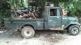Bahan Hardtop Pick Up Long FJ45 Tahun 1976 Mesin Diesel Kondisi Hidup