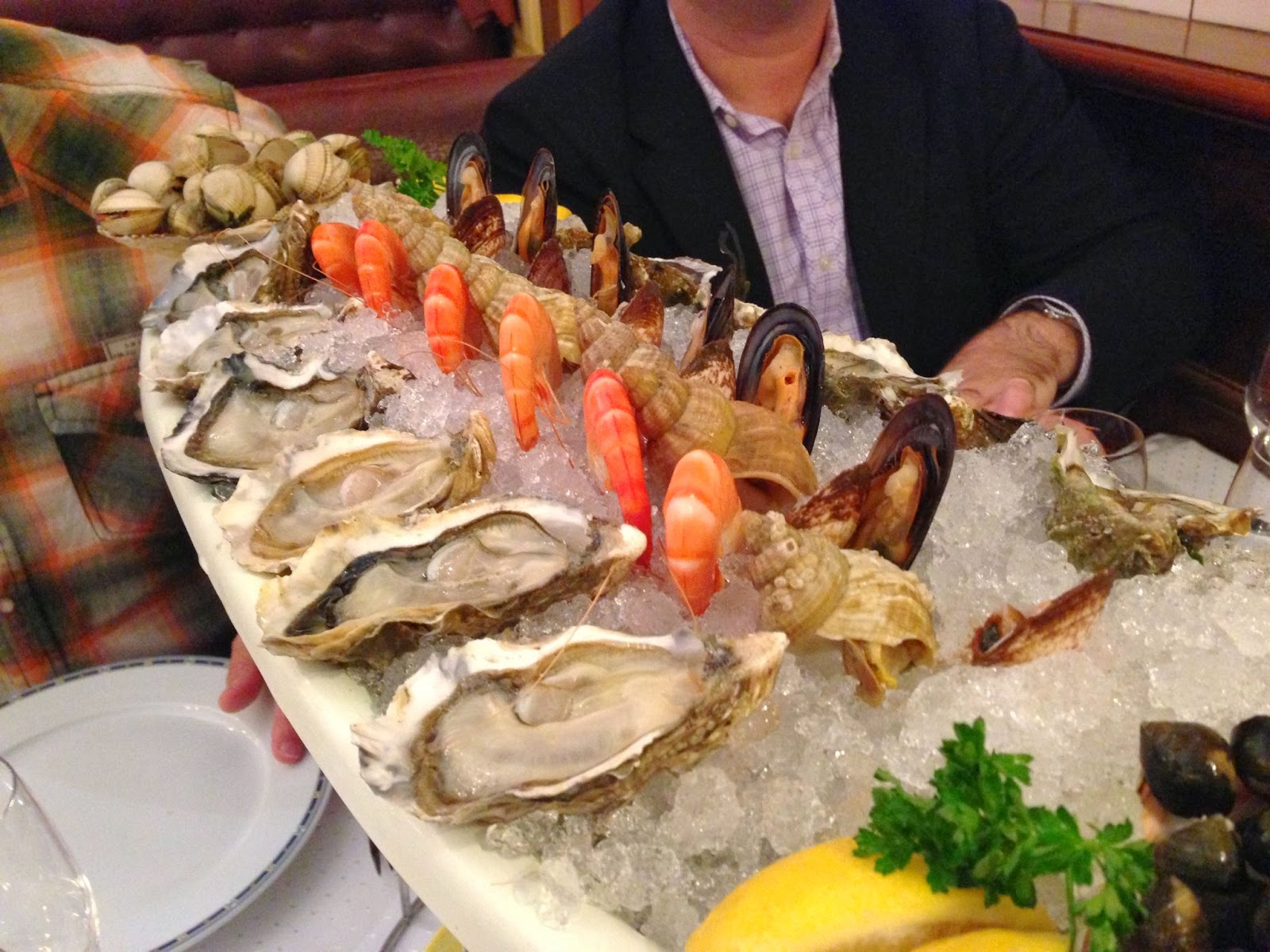 seafood extravaganza in lyon france good taste is the worst vice. Black Bedroom Furniture Sets. Home Design Ideas