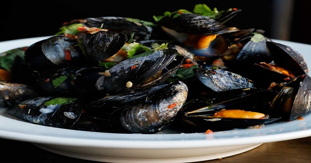 Mussels With Coconut Sweet Chili Broth Recipe