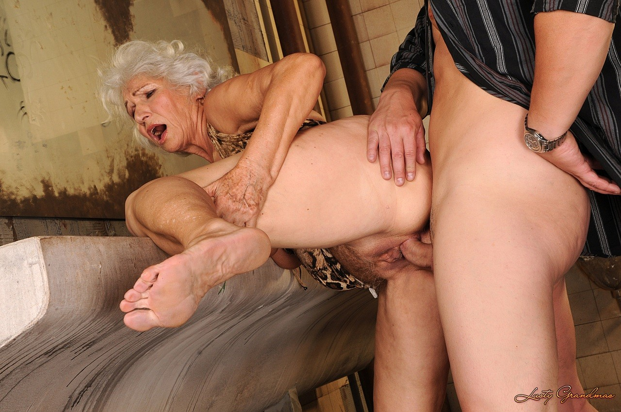 Porn image online freaky grannies on sperm hunt watch free