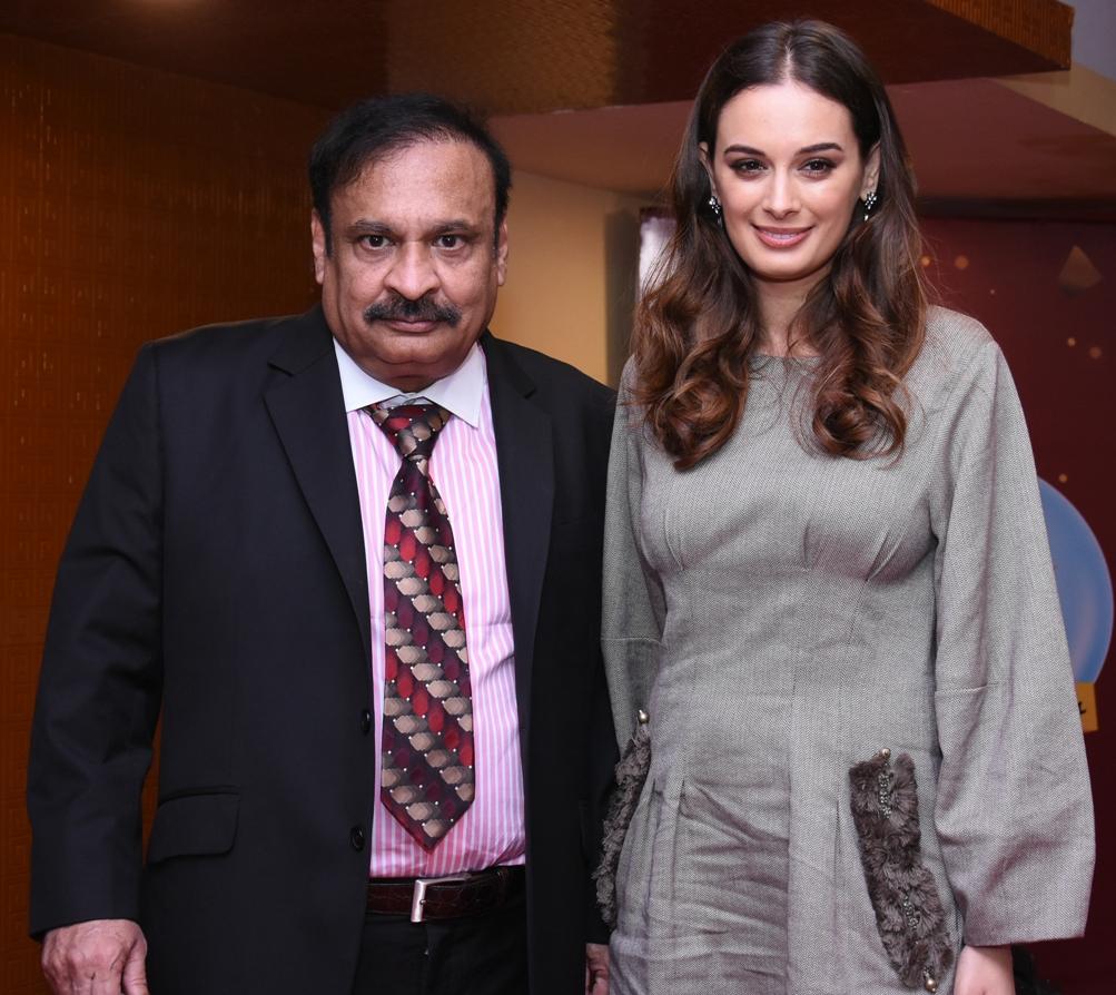 Annapurna Sriram Wiki actress evelyn sharma unveiled country club's new
