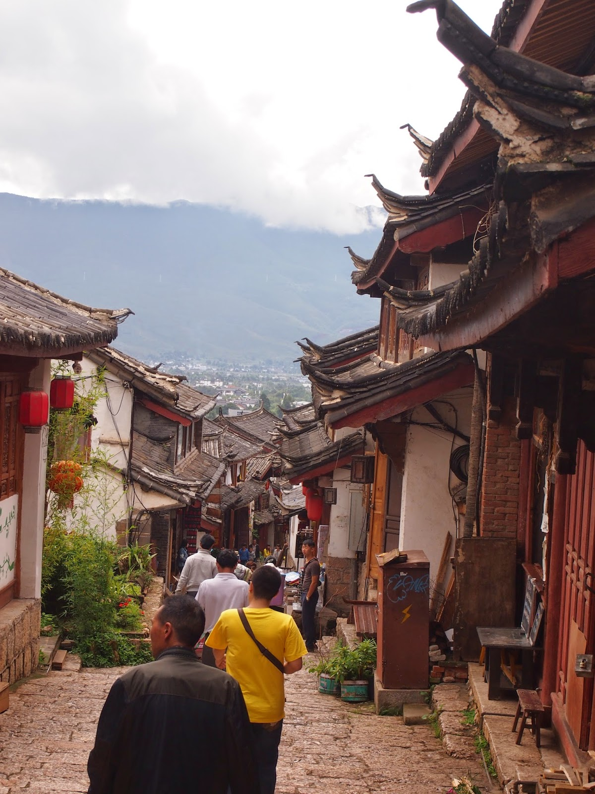 Winding streets of Lijiang Old Town