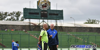 Gomez: Stadion Siliwangi Cocok untuk Latihan Persib