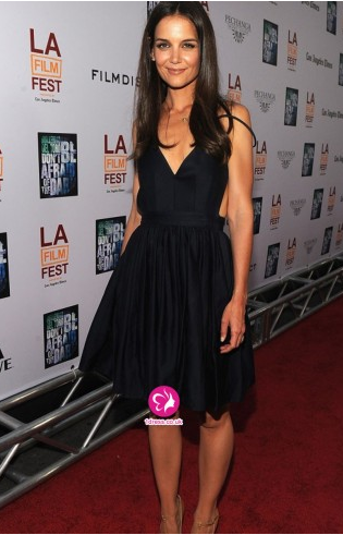 http://www.1dress.co.uk/katieholmes-a-line-v-neck-ruffles-sleeveless-knee-length-elastic-woven-satin-cocktail-dresses-homecoming-dresses-uk0248021.html
