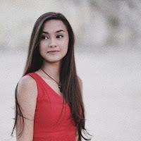 Biodata Caitlin Halderman Lengkap Dengan Agama Dan Foto Terbarunya