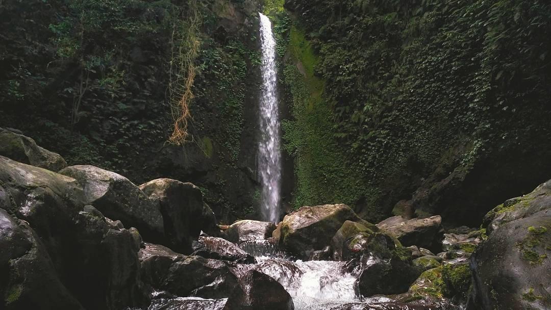 Air Terjun Titian Batu Kawangan