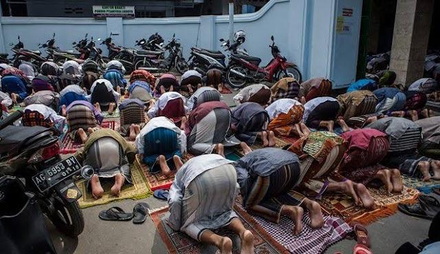 Dahsyatnya Keutamaan Shalat Jum'at Bagi Laki-Laki Muslim