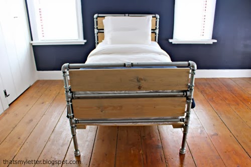 diy steel pipe and wood slats bed