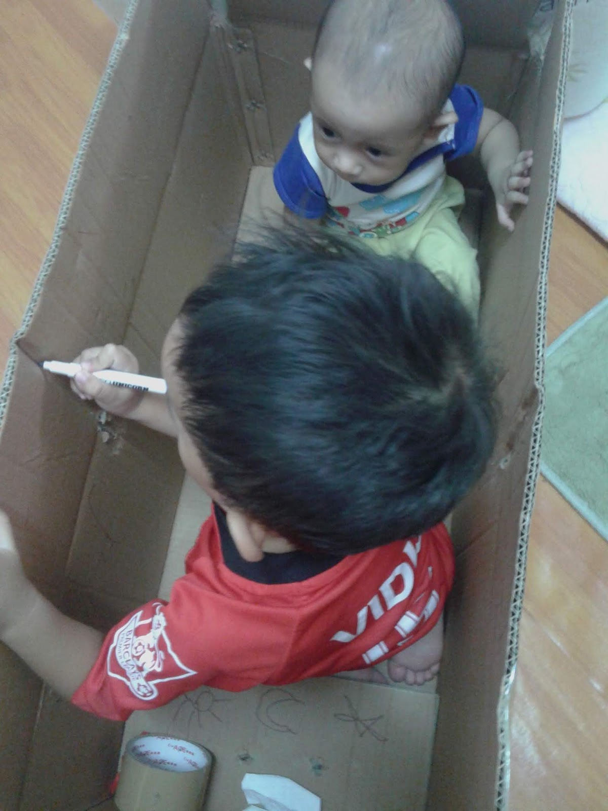 Kotak kosong dan imaginasi Kanak-kanak