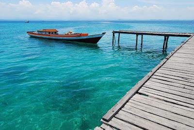 wamin air daterumbu karang di Pulau Sembilang