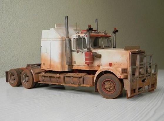 gambar miniatur mobil truk