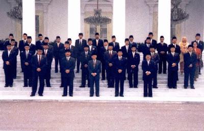 Susunan Kabinet Pemerintahan BJ. Habibie