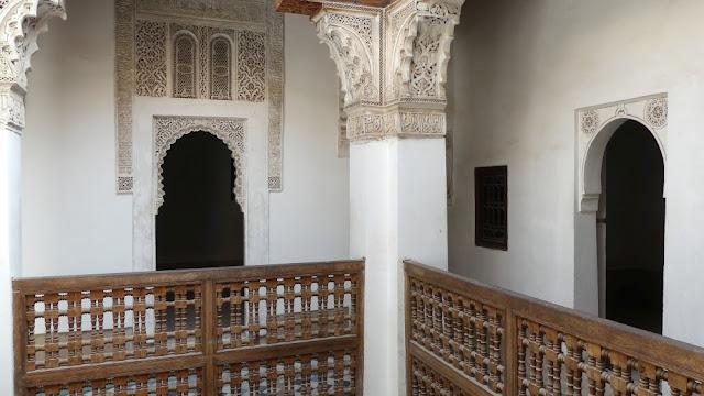 Marrakesch - kleiner Innenhof Medersa Ben Youssef