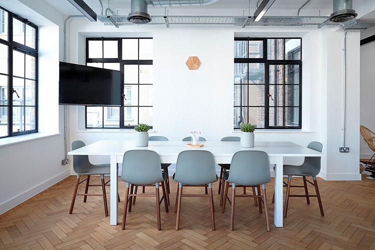 Cómo integrar los elementos arquitectónicos en la decoración de tu casa
