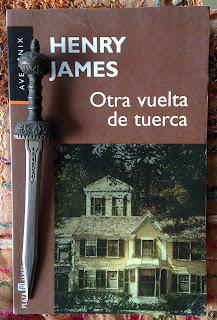 Portada del libro Otra vuelta de tuerca, de Henry James