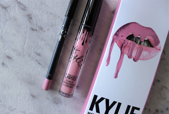 Kylie Cosmetics Smile Lip Kit - Review & Swatches
