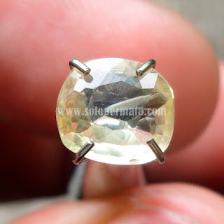 Permata White Sapphire Ceylon - A455