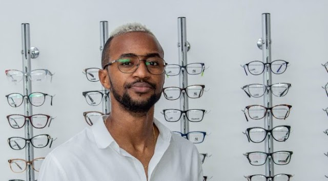 Young Double torna-se embaixador da marca Optioptika