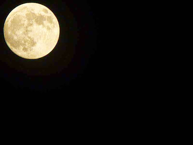 full moon, Kin Town, Okinawa