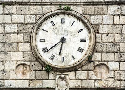 Como se escreve zero em números romanos?  (Mundo Estranho)
