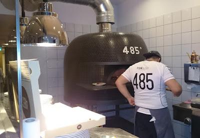 Pizzeria 485° in Köln