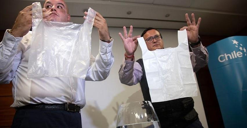 Chile, primer país latinoamericano en prohibir bolsas de plástico. ¿En Perú qué oscuros intereses de los congresistas paralizan Ley?