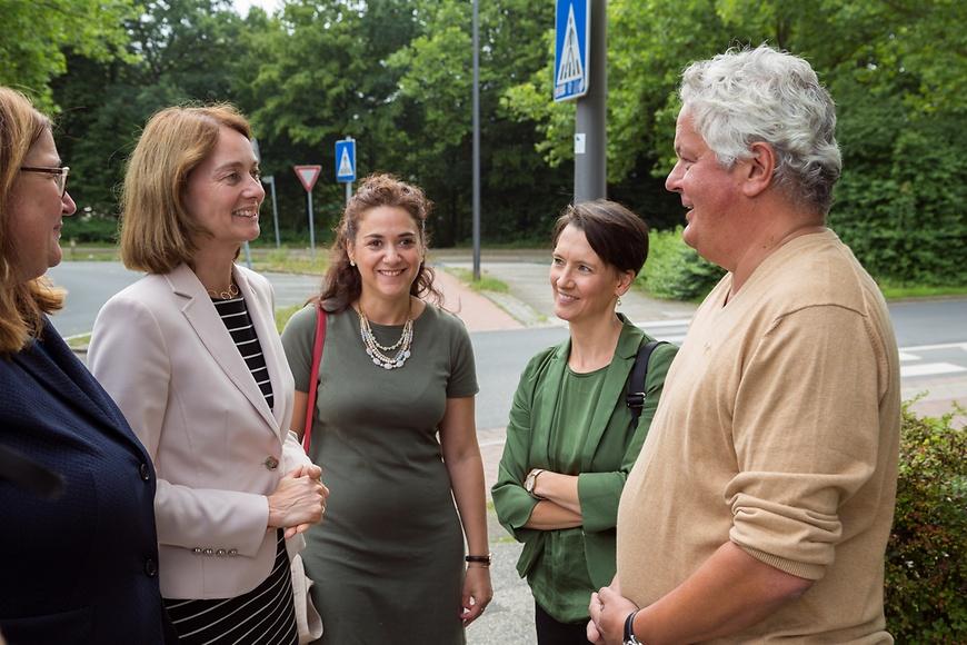 Hoher besuch aus berlin dr katarina for Mehrgenerationenhaus berlin