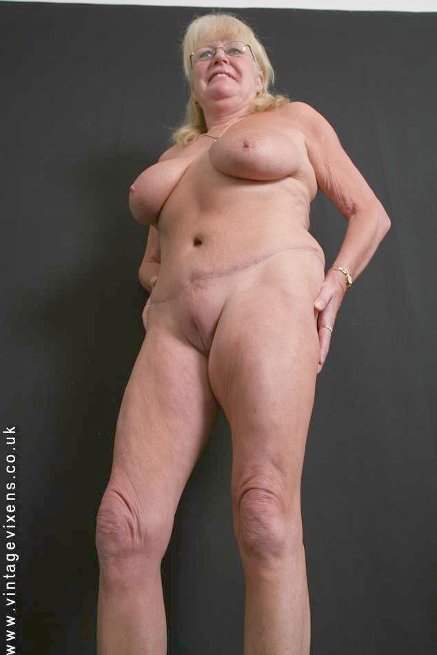 Vintage vixen mature nude